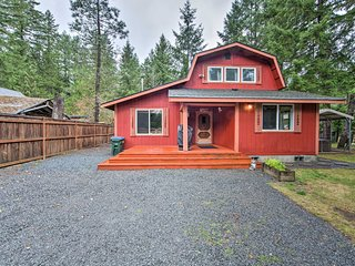 Cozy Ashford Home - 5 Mi to Rainier Nat'l Park!