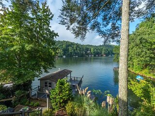 Lakeshire on Lake Lure I 3 BR Lake Front Home I Pet Friendly