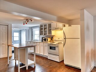 #624 - Renovated Apt in a Charming House