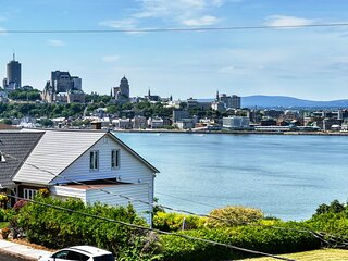 #633 - Breathtaking View on the River and on Old Quebec