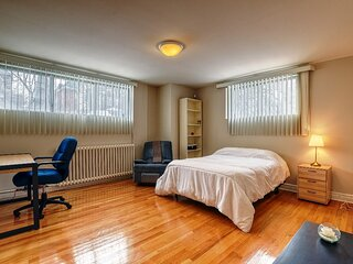 #157 Comfortable and affordableApt in lively area