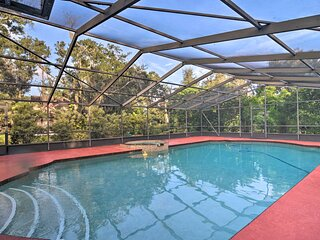 NEW! Sarasota Home w/Outdoor Oasis: 4 Mi to Shore!
