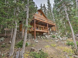 Dreamy St Mary's Cabin: Steps to a Private Lake!