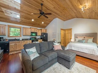 A Quiet Place | Private Studio Loft with Outdoor Patio & Firepit!