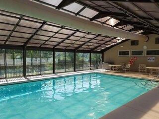 Classy 3 BR*3 BA*Penthouse*Pools*Hot Tub*Bar/Grill