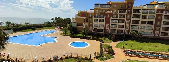 Vistas piscinas desde terraza