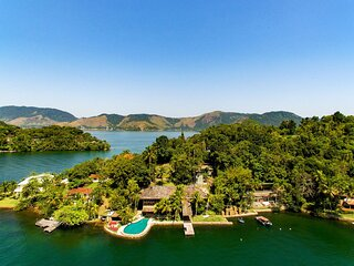 Ang005 - Paradise island with 7 suites in Angra dos Reis