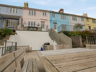 DORY COTTAGE, open plan living, terrace areas, BBQ, WIFI, pet friendly