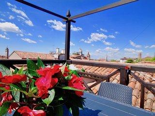 CA GRIMANI: amazing rooftop terrace