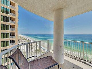 Beachfront Retreat w/ Gorgeous Gulf Views & Large Private Balcony