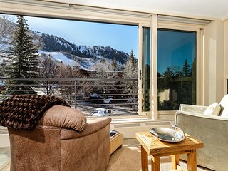 Durant 101B - Ski In/Out Panoramic  Mountain Views through floor to ceiling glass windows