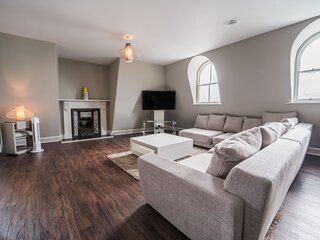 Captain Scott Penthouse (7) 1 Elliot Terrace - Very spacious 2 bedroom penthouse