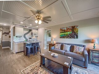 Located right on the Comal River! Pool, hot tub, direct river access!!
