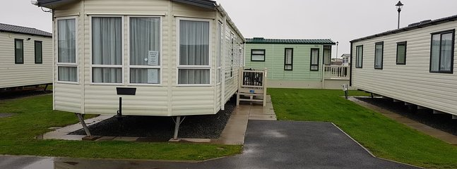 8 Berth Caravan PS9, vacation rental in Chapel St. Leonards