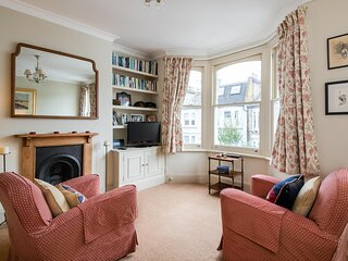 Traditional Fulham Home close to the River Thames