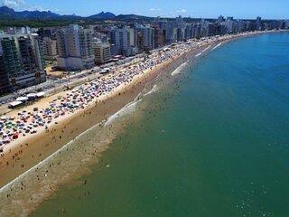 Apartamento bem localizado com Wi-Fi na Praia do Morro