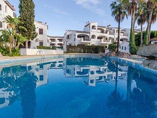 Apartamento con piscinas,toboganes,restaurante, bar  a 200mts de la playa