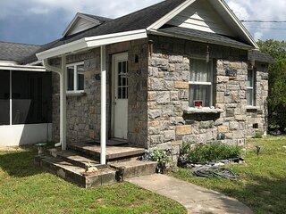 Cozy cottage river house