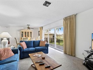 Relax & Unwind - Charming condo at The Glades