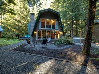 Snowline Cabin #45 - A Traditional Mountain Family Chalet!