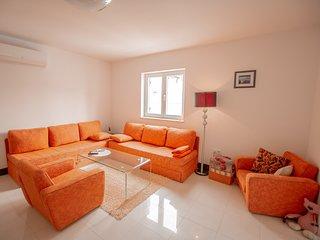 102 Apartment Noa with pool_Funtana_Torana