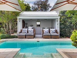 Beautiful 4 bedroom Constantia home