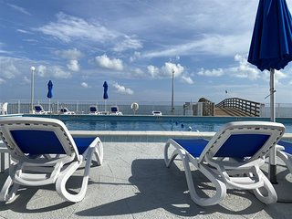 Clara`s Ocean Gem Condo 2bed 2bath third floor with elevator, pool & ocean views