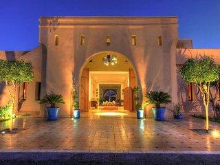 Villa des Senteurs - Enchanting estate with swimming pool and jacuzzi