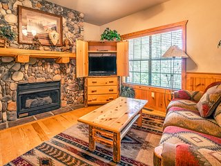 Put your feet up! Cozy Walk-in Cabin in the Heart of Branson