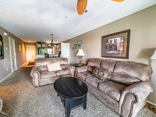 3 Bedroom, 3 Bath Walk-in Golf Condo - Private Balcony with Pool View