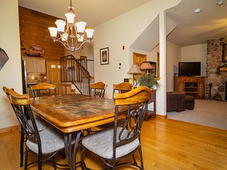 Rustic Walk-in Cabin with Fireplace - Just MINUTES from Shows and Shopping!