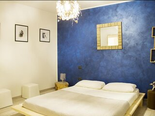 Appartamento molto carino e curato,con cucina accessoriata, giardino, posto auto