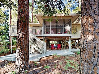 Charming Creekside Cottage with Pool & Screened Porch - Walk to the Beach