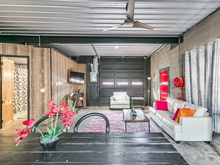 The Industrial Loft (2BD/1BA)