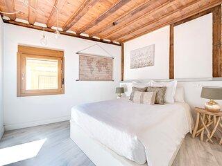 Dormitorio principal con cama de 150 cm de ancho y colchon viscoelastico