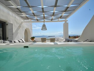 Luxury Villa LIMANI. New Golden Beach, Panorama Sea View, Superior-Jacuzzi!