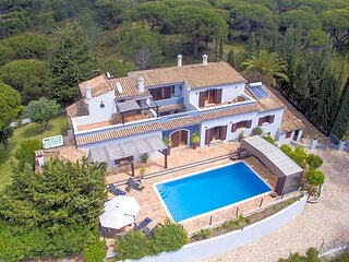 Barros da Fonte Santa Villa Sleeps 12 with Pool Air Con and WiFi - 5872508