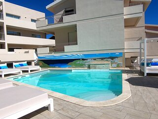 La Contessa B12 pool and seaview