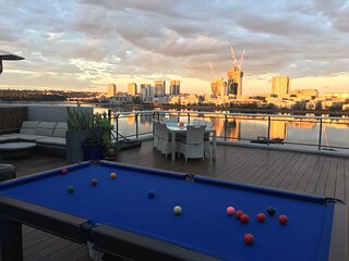 Luxury Penthouse 180° waterview PRIVATE DECK Sydney Olympic Park