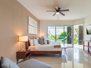 Ocean View  Apartment Beach Accesible 2 bedroom 2 bath  sleeps 7 Casa Sol