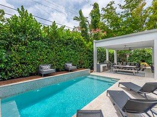 Lux Villa for 10. Miami Design District with Pool!