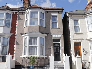 SERENITY, pet-friendly, seaside, in Ramsgate