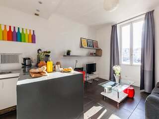 Brigitte · Exceptional situation! Place Castellane - In the heart of Marseille
