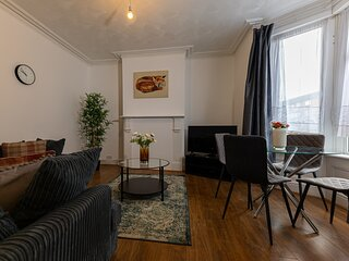 Suites by Rehoboth ★ Rainham Terrace ★ Medway