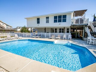 RVAcation | 98 ft from the beach | Private Pool, Hot Tub