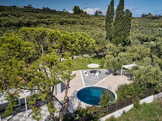 3 Bedroom Villa Matina with Private Pool
