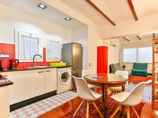 Charming 4-People Vacation Flat on the 'Street of Sin' of Sitges