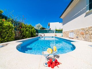 Port d'Alcudia Villa Sleeps 6 with Pool Air Con and WiFi - 5872747