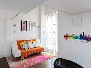 My London Holiday Home - Stylish Riverside Apartment