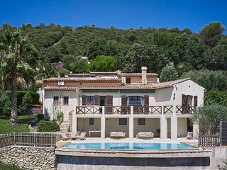 SunlightProperties - VILLA OLEA - Family holiday rental, 5 Beds, private pool